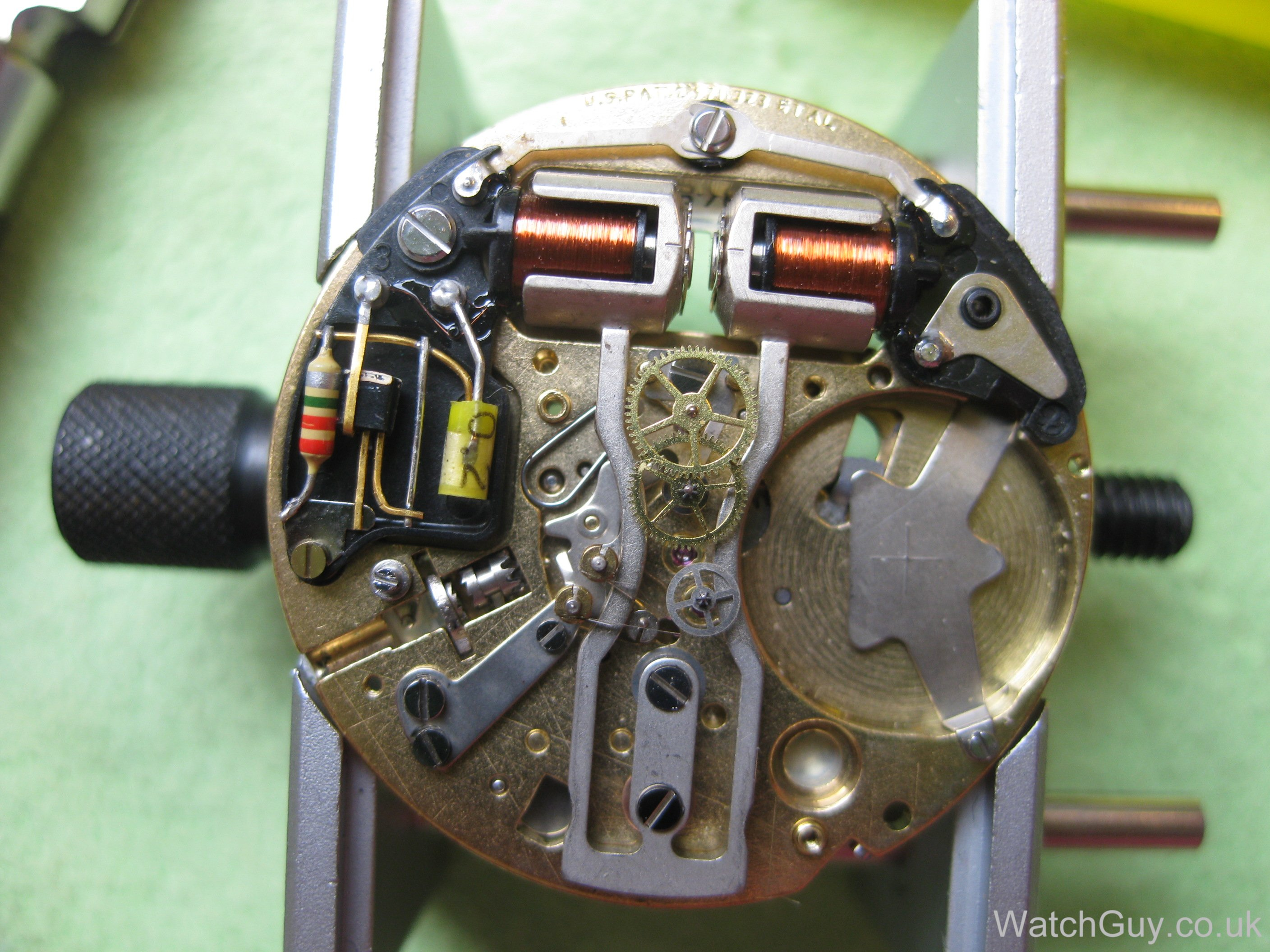 how to tell an accutron 214 from a 218