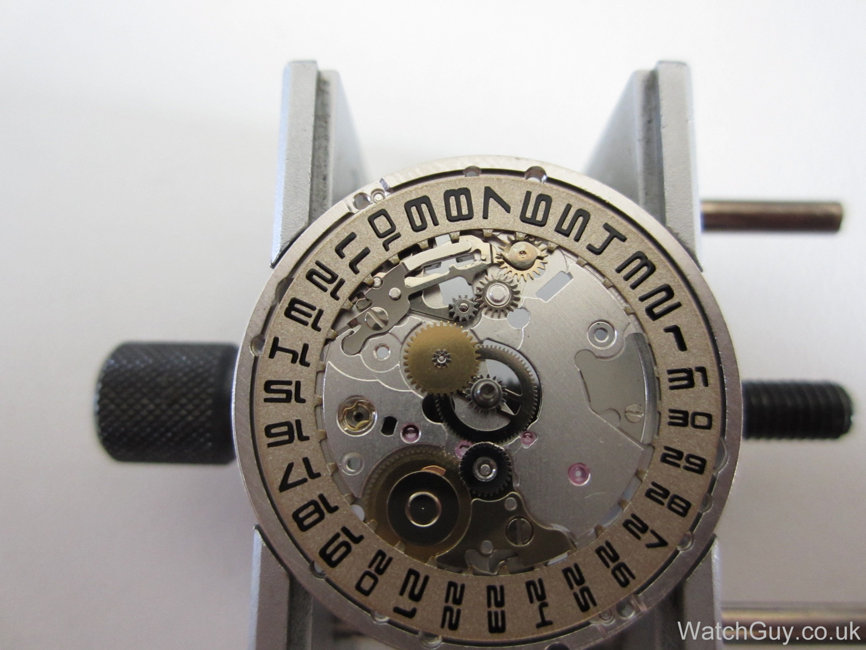 how to change the date on a lucid watch